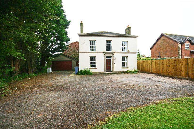 4 Bedrooms Detached House for sale in Stricklands Lane, Poulton-Le-Fylde