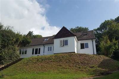 5 Bedrooms Detached House for rent in Cuilfail, Lewes