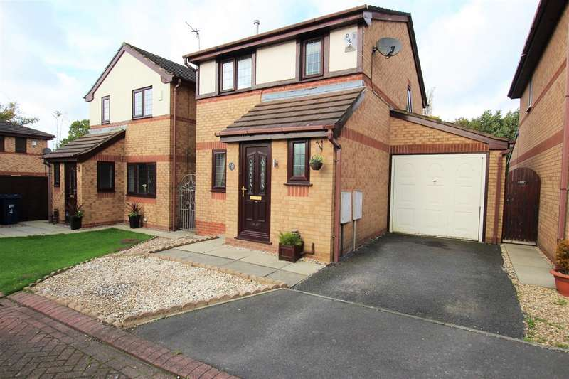 3 Bedrooms Detached House for sale in Fieldside Close, Lostock Hall, Preston