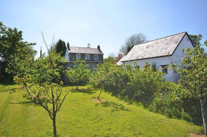 5 Bedrooms Land Commercial for sale in Llaingyfre , Pencader, Carmarthenshire. SA39 9DA