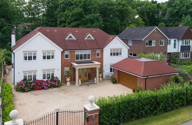7 Bedrooms Detached House for sale in Fulmer Drive, Gerrards Cross, SL9