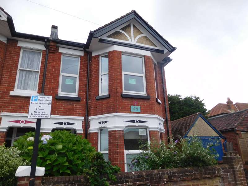6 Bedrooms House for rent in Highfield Crescent, Highfield, Southampton, SO17