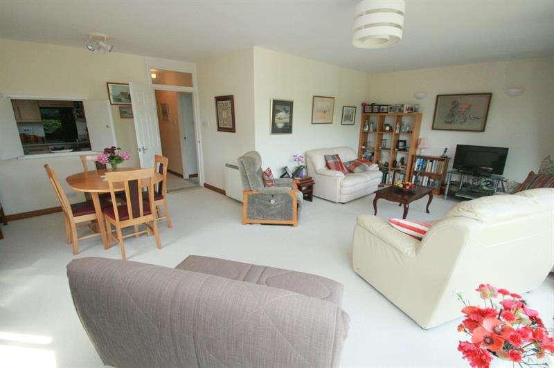 3 Bedrooms Apartment Flat for sale in Langstone Road, Langstone, Havant