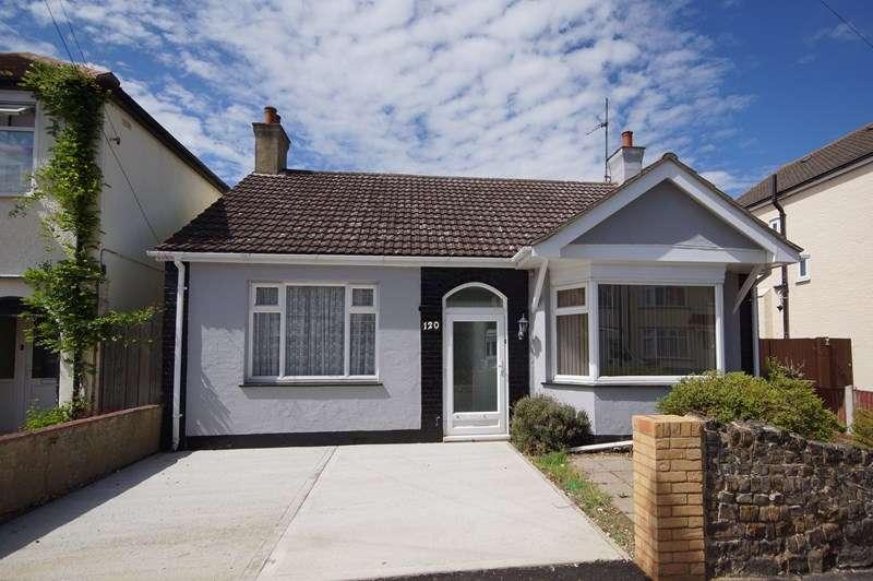 3 Bedrooms Detached Bungalow for sale in Richmond Avenue, Shoeburyness, Southend-On-Sea