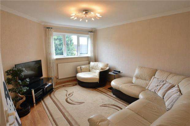 1 Bedroom Apartment Flat for sale in Lawn Road, Uxbridge, Middlesex