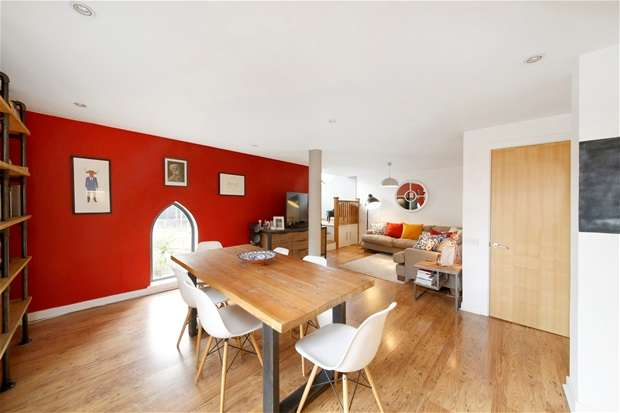 2 Bedrooms Flat for sale in Trewsbury Road, Sydenham