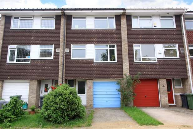 4 Bedrooms House for rent in Forestholme Close, Taymount Rise