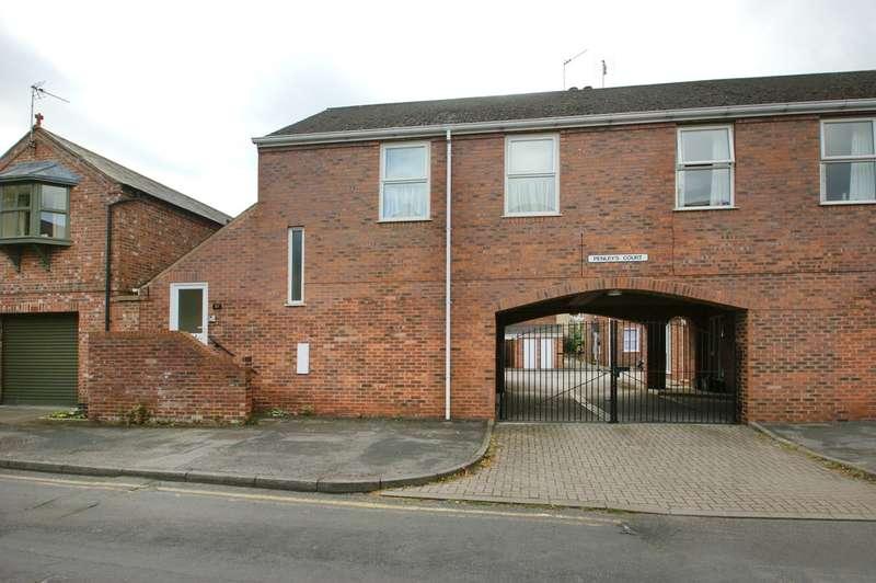 2 Bedrooms Apartment Flat for sale in Penleys Court, York, YO31