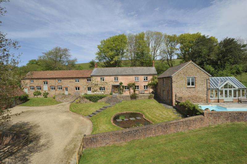 6 Bedrooms House for sale in Shillingford, Tiverton, Devon, EX16