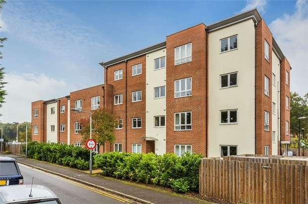 1 Bedroom Flat for sale in Waterloo Court, Mayfield Road, Hersham, WALTON-ON-THAMES, Surrey