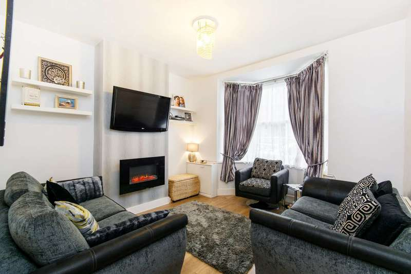 3 Bedrooms Semi Detached House for sale in Clarence Road, Sutton, SM1