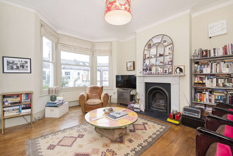 2 Bedrooms Maisonette Flat for sale in Leighton Gardens, Kensal Rise NW10