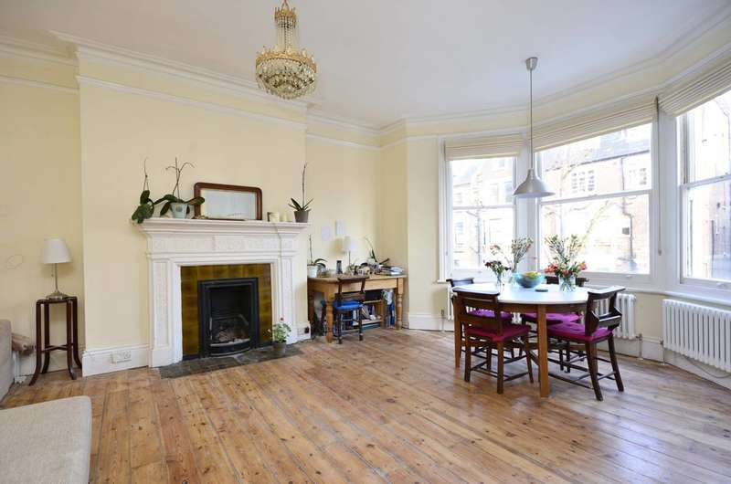 2 Bedrooms Flat for sale in Tanza Road, Hampstead, NW3