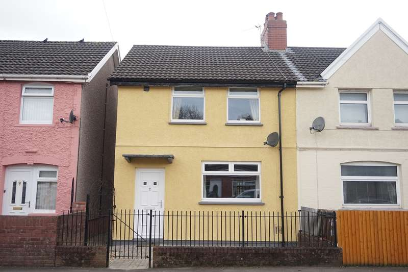 3 Bedrooms Semi Detached House for sale in Bedwellty Road, Cefn Fforest, Blackwood, NP12