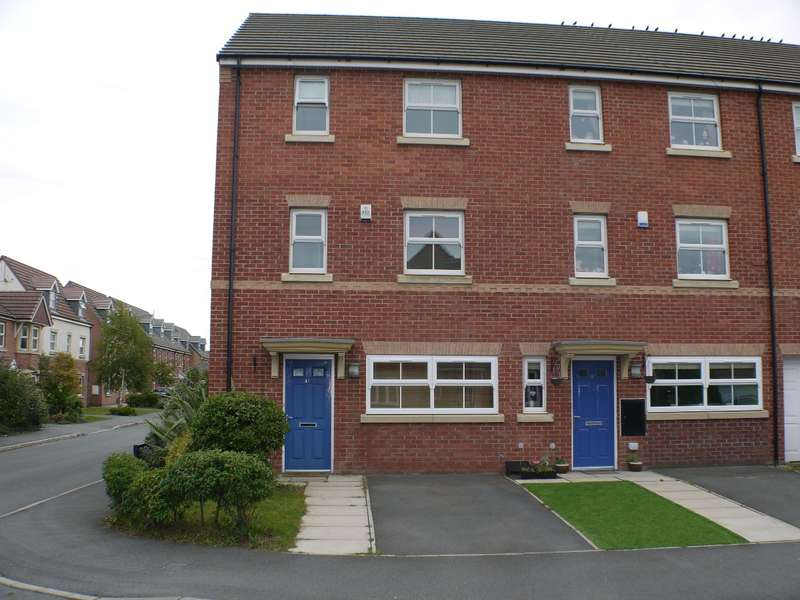 3 Bedrooms Semi Detached House for sale in Kings Lynn Drive, Cressington, Liverpool L19 2HW