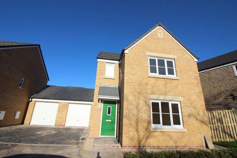 3 Bedrooms Detached House for sale in Buttermilk Close, Pembroke, Pembrokeshire. SA71 4TN