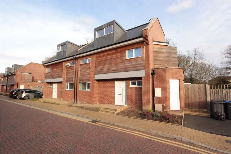 5 Bedrooms Semi Detached House for sale in Waterside Close Wembley HA9