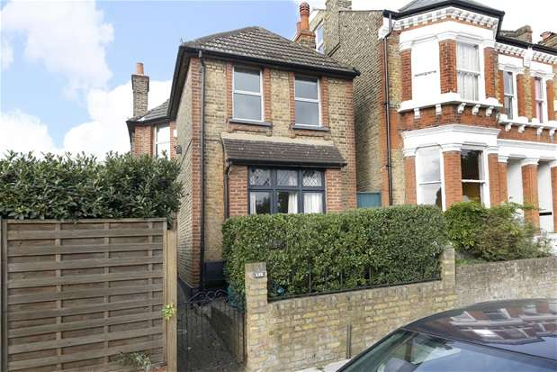 3 Bedrooms Detached House for sale in Thurlestone Road, West Norwood