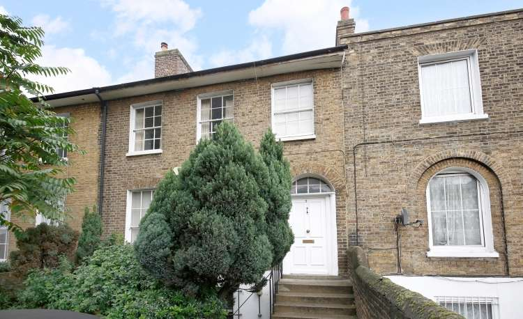 4 Bedrooms House for sale in New Cross Road New Cross SE14