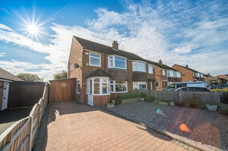 3 Bedrooms Semi Detached House for sale in Ridgewood Drive, Wirral, Merseyside, CH61