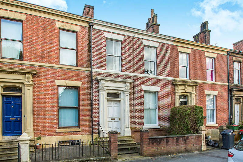 6 Bedrooms Terraced House for sale in Broadgate, Preston, PR1