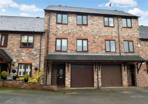 3 Bedrooms End Of Terrace House for sale in Quayside Way, Macclesfield, Cheshire