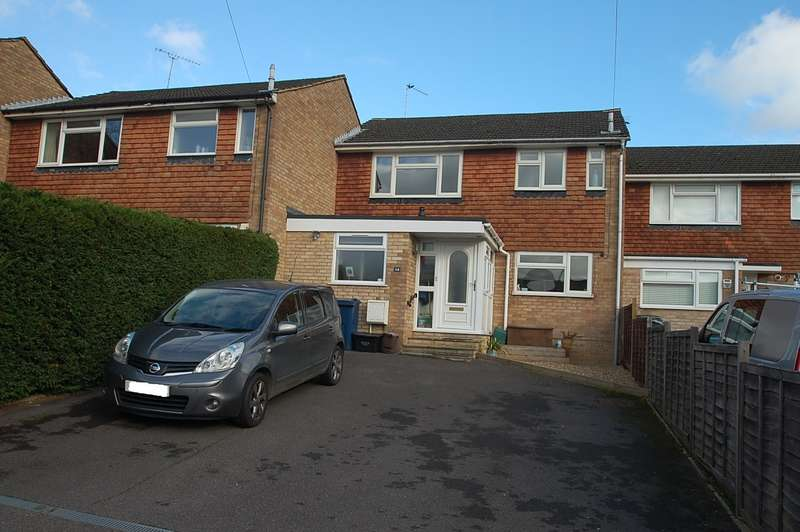 3 Bedrooms Terraced House for sale in Joiners Way, Chalfont St Peter, SL9
