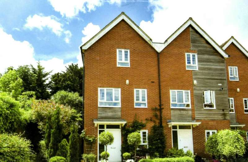 4 Bedrooms End Of Terrace House for sale in King Henrys Road, Lewes