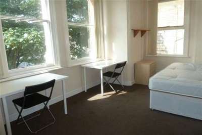 10 Bedrooms Flat for rent in 92pppw, 10 beds, Burns St