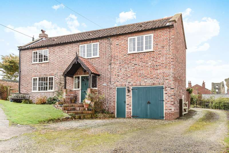 4 Bedrooms Detached House for sale in The Green, Sheriff Hutton, York, YO60 6SB