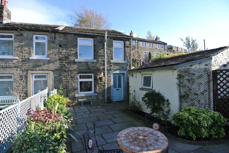 2 Bedrooms Cottage House for sale in New Laithe Bank, Holmfirth, HD9