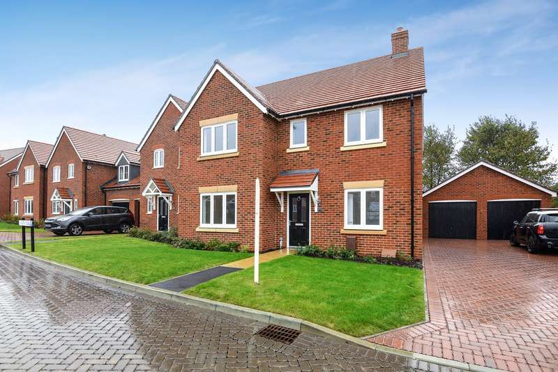 4 Bedrooms Detached House for sale in Roman Walk, Stane Street, Westhampnett, Chichester, PO18