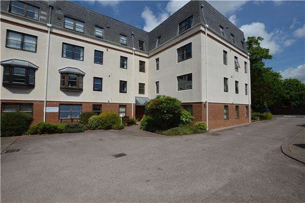 1 Bedroom Flat for sale in Waterford Court, LECKHAMPTON, GL53 0LA
