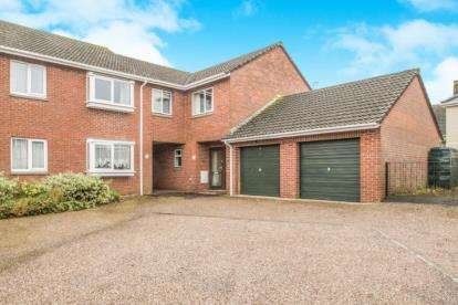 2 Bedrooms Flat for sale in Hemyock, Cullompton, Devon