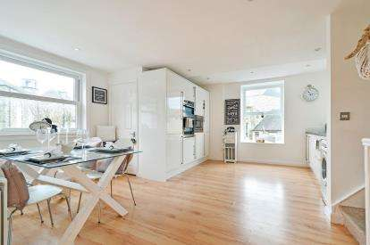 3 Bedrooms Maisonette Flat for sale in St. Columb Major, Cornwall, .