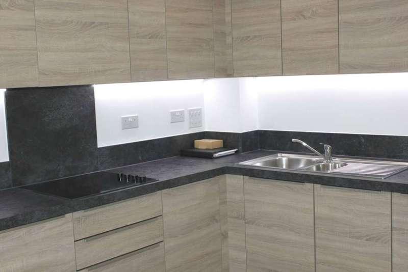 3 Bedrooms Apartment Flat for rent in Copenhagen Court, Deptford, SE8 5BS