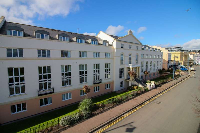 1 Bedroom Flat for sale in Den Crescent, Teignmouth
