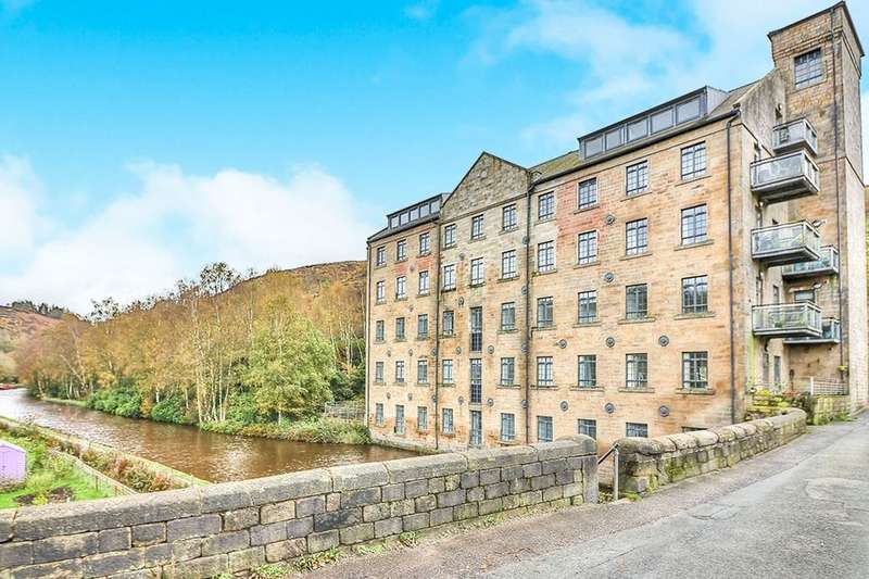 2 Bedrooms Flat for sale in Woodhouse Road, Todmorden, OL14