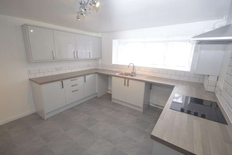 4 Bedrooms Property for rent in Lightwood Road, Stoke-On-Trent, ST3