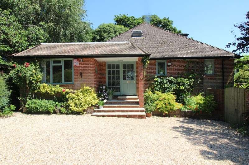 3 Bedrooms Detached House for sale in Lymore Lane, Keyhaven, Lymington
