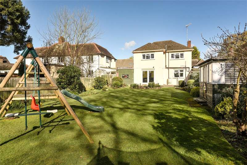 3 Bedrooms Detached House for sale in Elm Avenue, Ruislip, Middlesex, HA4