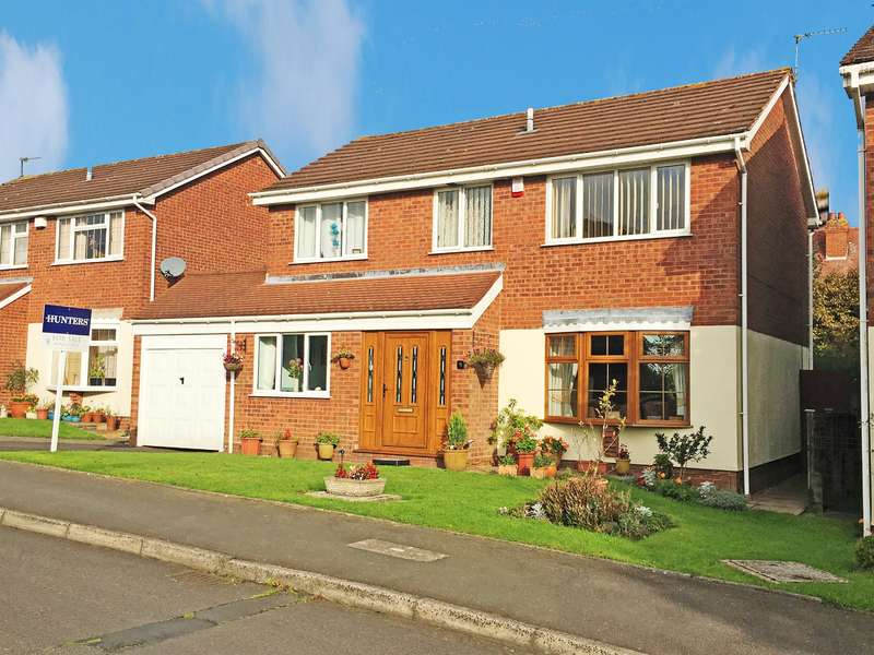 4 Bedrooms Detached House for sale in Larch Grove, Sedgley, DY3 1TL