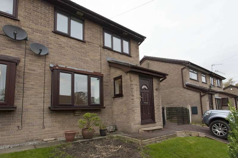 3 Bedrooms Semi Detached House for sale in Holly Bank, Hollingworth, Cheshire, SK14