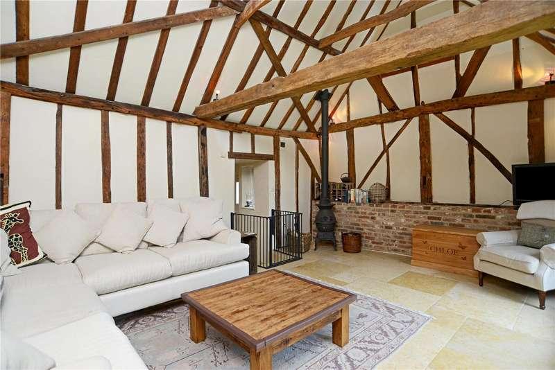3 Bedrooms Semi Detached House for sale in Farncombe Street, Farncombe, Godalming, Surrey, GU7