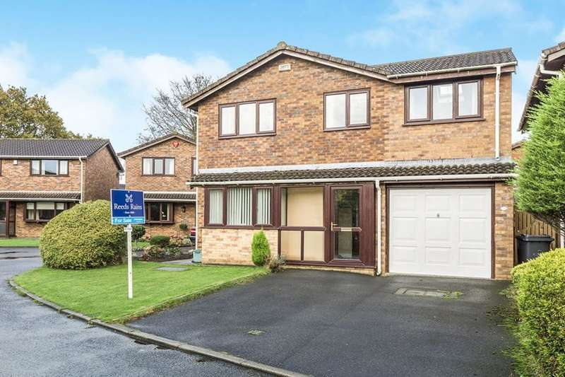 4 Bedrooms Detached House for sale in Fell View Close, Garstang, Preston, PR3