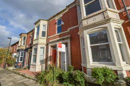 3 Bedrooms Flat for sale in Albemarle Avenue, High West Jesmond, Newcastle Upon Tyne, Tyne and Wear, NE2