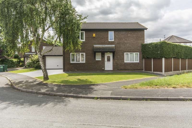 4 Bedrooms Detached House for sale in Mallory Walk, Chester, Cheshire, CH4
