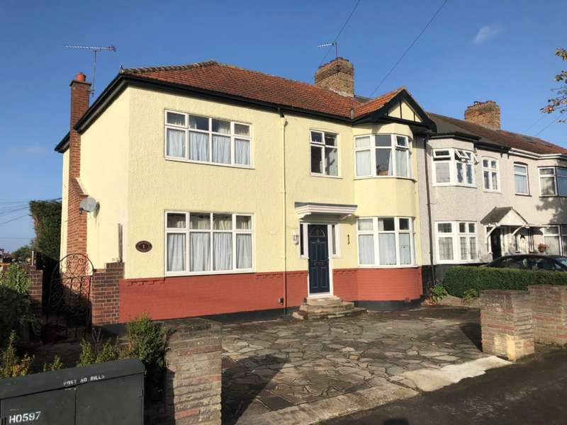 4 Bedrooms Semi Detached House for sale in Northdown Road, Hornchurch