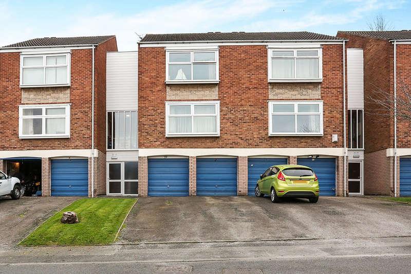 1 Bedroom Flat for sale in Glynn Crescent, Halesowen, B63