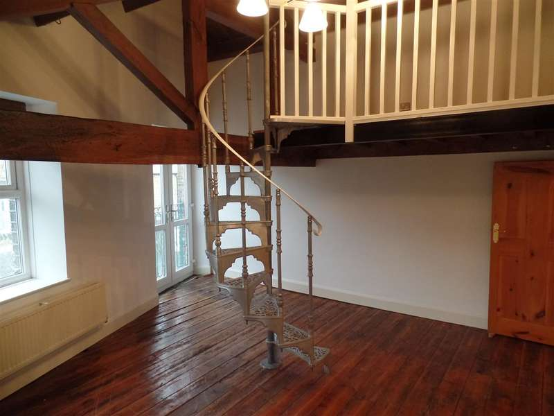 2 Bedrooms Apartment Flat for rent in Little Box House, New Road, Luddenden, Halifax